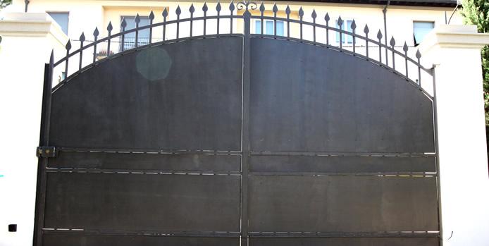 Produzione cancelli in ferro firenze toscana realizzazione for Immagini cancelli in ferro